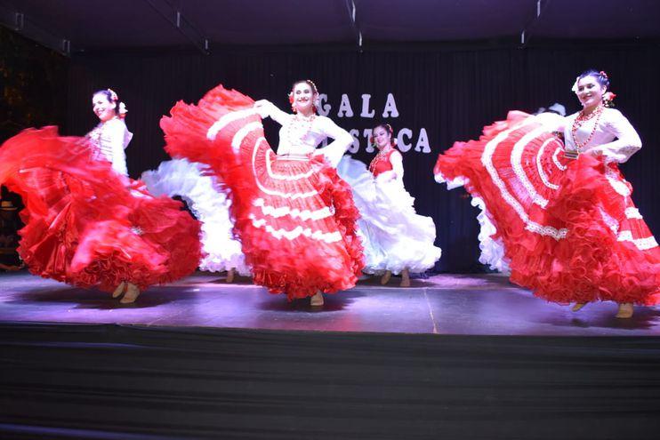 Gala Artística realizada en Ayolas, como cierre de festejos por su aniversario.