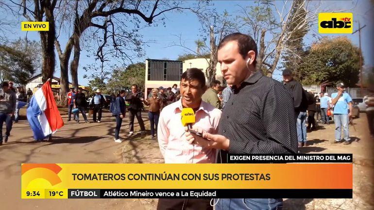 Tomateros continúan con protestas en Coronel Oviedo