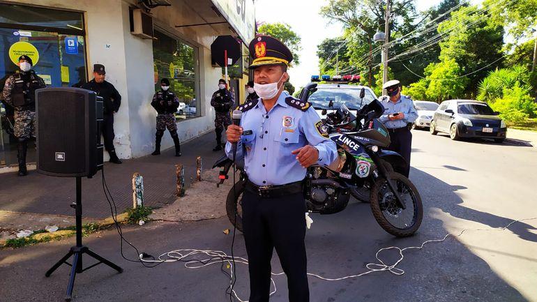 Canto de la policía a los ciudadanos de Villarrica.