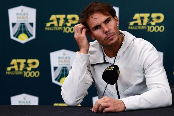 Rafael Nadal se prepara para jugar el Master de tenis.