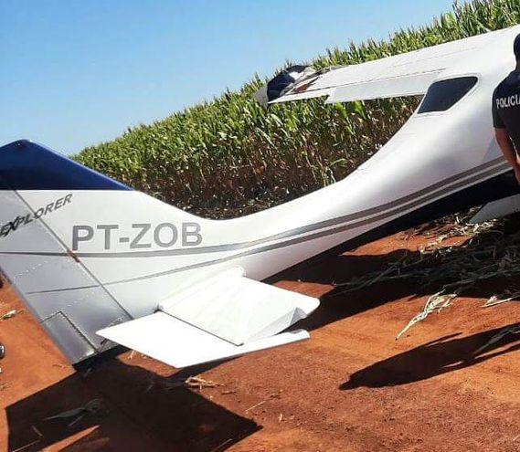 La avioneta aterrizó de forma forzosa en un campo rural de Los Cedrales.
