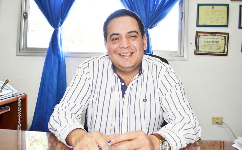 El intendente Ricardo Estigarribia (PLRA) utilizó posteos de reclamos en redes sociales para presentar querella.