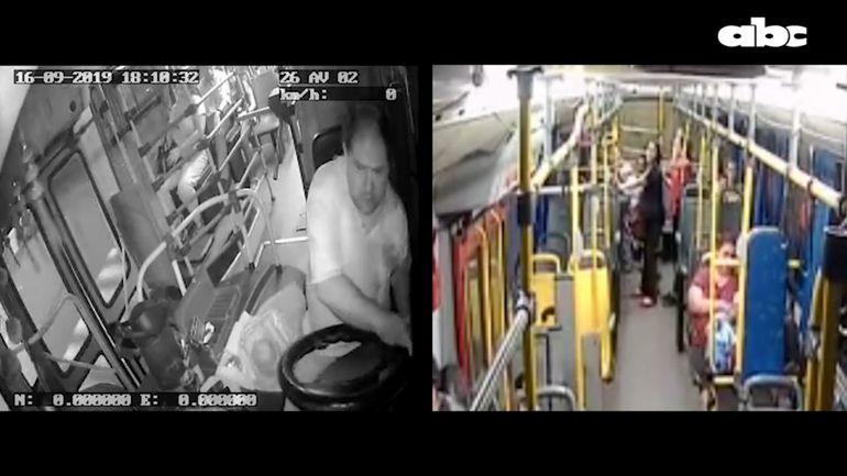 En esta combinación de imágenes se ve el momento en el que el chofer de la línea 2 Cristian David Díaz González hace el giro fatal. En la segunda captura, Carmen Vázquez sale despedida del colectivo.
