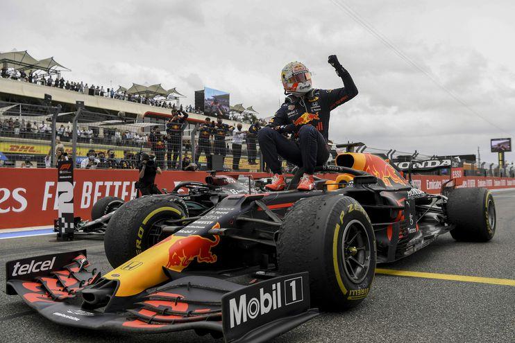 El holandés Max Verstappen celebra su victoria en el Gran Premio de Francia.