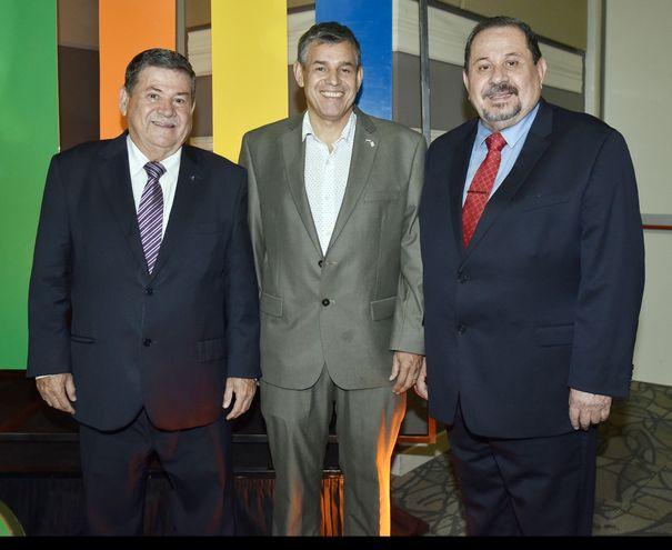 Jorge Cruz Roa, Carlos Romero Roa y César Cruz Roa.