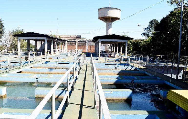 Planta potabilizadora de agua de la Essap  en Encarnación. La única en el interior del país que cuenta con un servicio que garantiza absoluta  calidad del vital líquido.