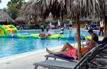piscina-la-habana-cuba-100256000000-1832540.JPG