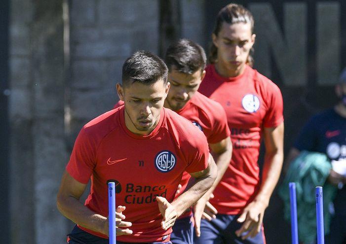 Ángel Romero será titular hoy en San Lorenzo de Almagro.