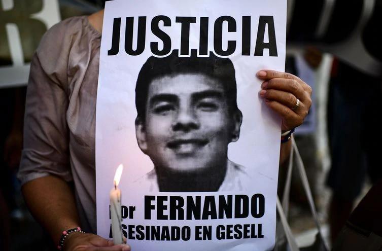 Fernando Báez Sosa falleció tras brutalmente golpeado por una patota, en Villa Gessel, Argentina.