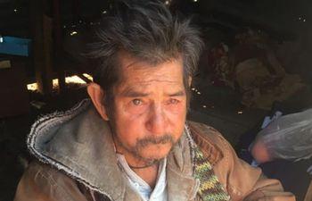 Antonio Caballero, en su precaria vivienda.