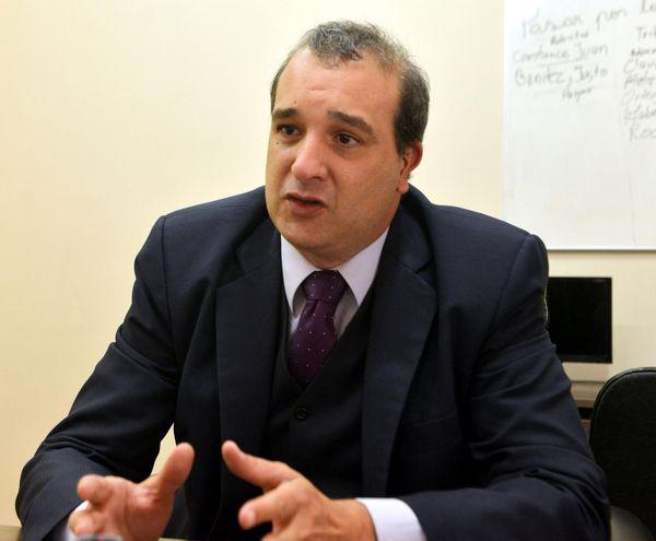 El abogado Diego Lansac ya está imputado por los hechos punibles de coacción, coacción grave y lesión de derecho a la comunicación y a la imagen.