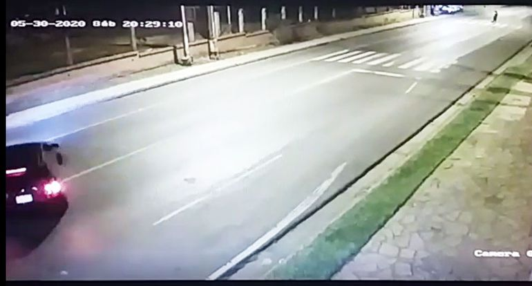 Momento en que conductor evita la barrera de control.