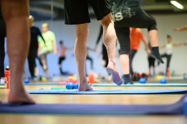 El movimiento es saludable para el corazón y las articulaciones. El médico de cabecera sabrá recomendar cuál es el deporte adecuado.