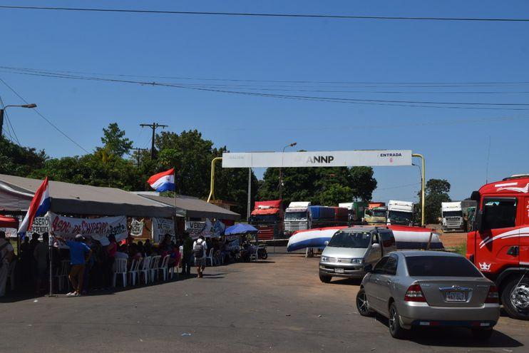Por una hora todos los días podrán salir los camiones de Aduanas de Encarnación.