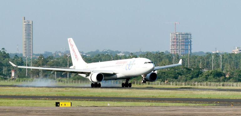 Un vuelo de Air Europa traerá a connacionales en junio próximo.