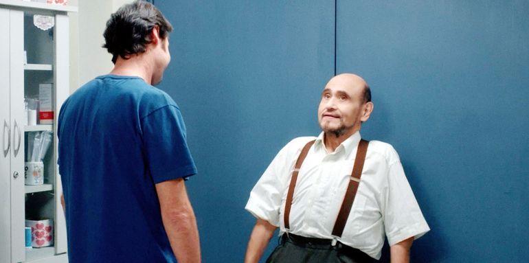 """Rafael Alfaro y el actor mexicano Édgar Vivar, en una de las escenas de la película paraguaya """"Orsai""""."""