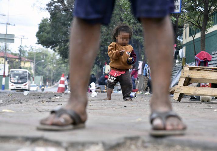 Niños indígenas pasan necesidades en las narices de instituciones que deberían velar por su protección.
