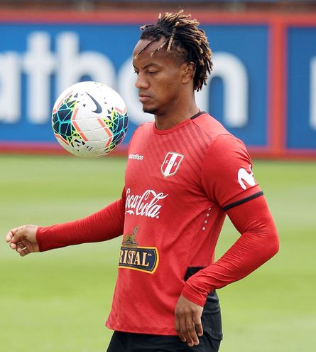 André Carrillo (29), mediocampista ofensivo peruano que milita en el Al Hilal de Arabia Saudita.