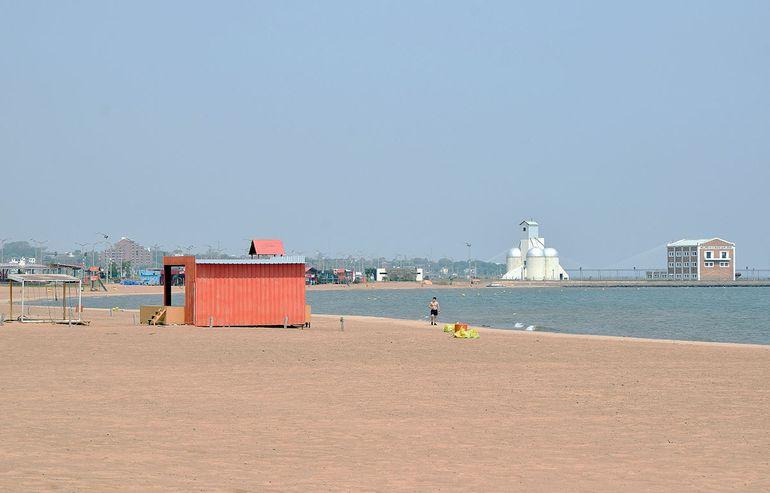 Vista de la playa San José, en la actualidad, que es la más visitada normalmente en verano.