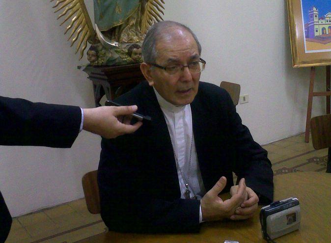 Mons. Edmundo Valenzuela (Foto de Archivo).