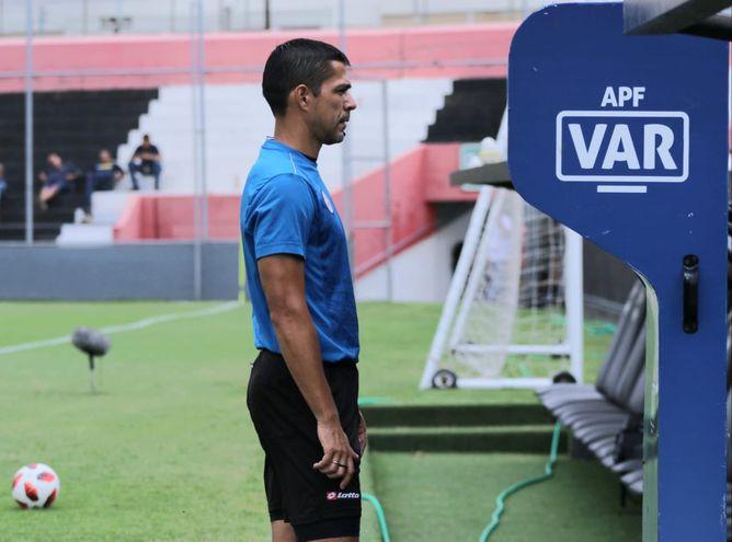 Mario Díaz de Vivar, VAR.