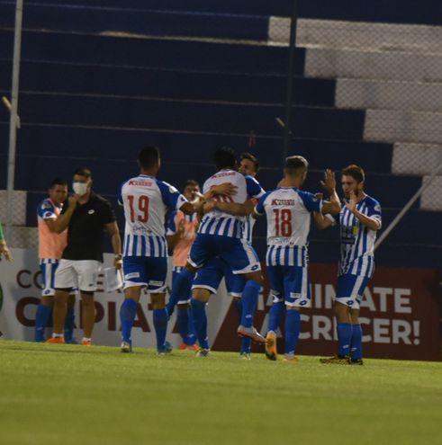 12 de Octubre consiguió una gran victoria ante Guaraní