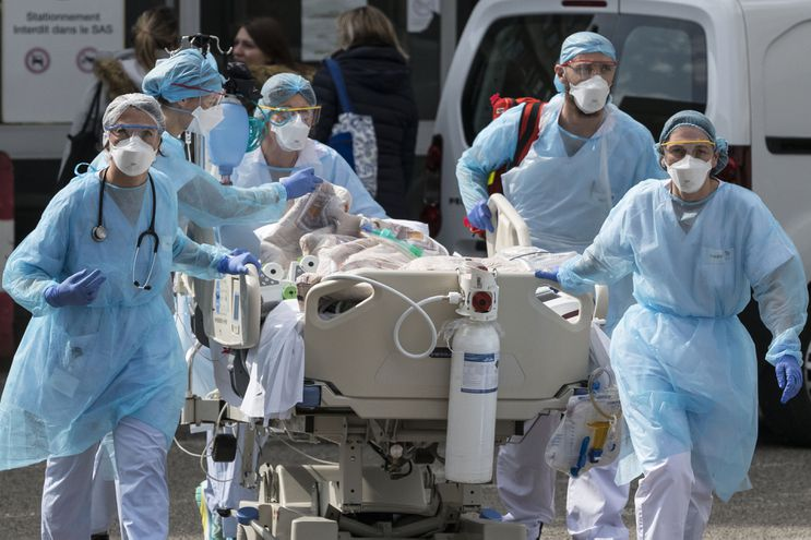 Paciente con coronavirus en el Hospital Emile Muller Hospital en Mulhouse, Francia.