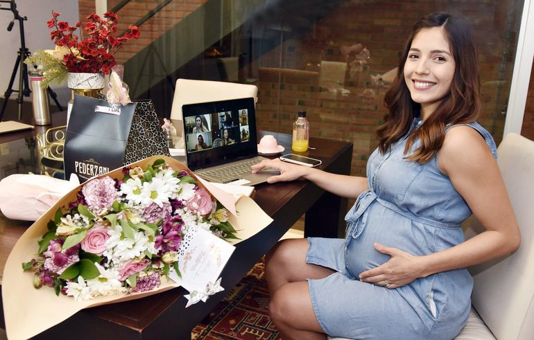 Se recomienda la realización de baby showers en modo virtual.