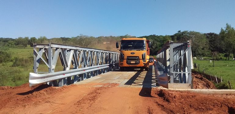 La habilitación del puente en Santaní trae alivio a los productores.