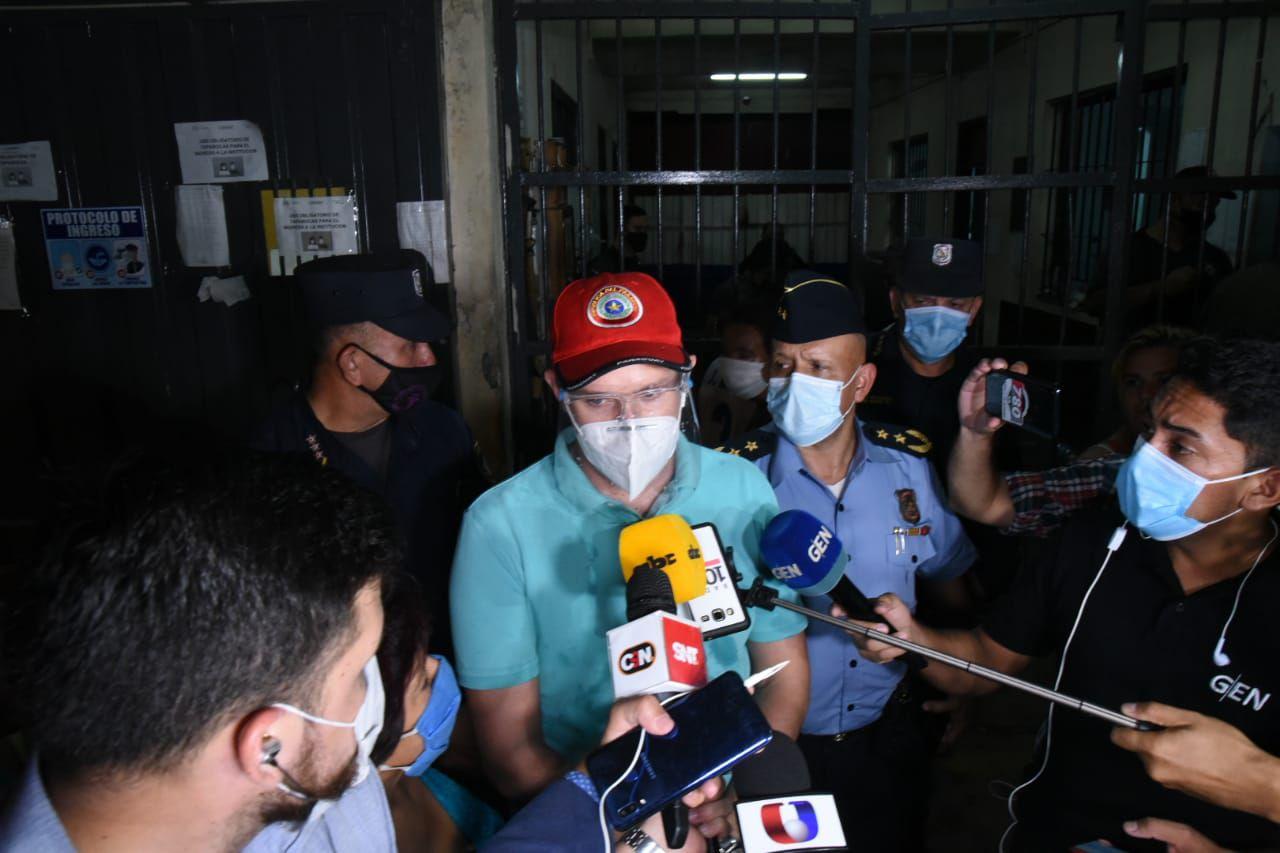 El fiscal Giovanni Grisetti confirmó la muerte de seis internos en la cárcel de Tacumbú.