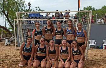 El equipo femenino de Villarrica Beach.