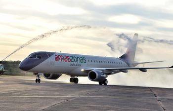 Nuevo Jet Embraer 190 de Amaszonas.