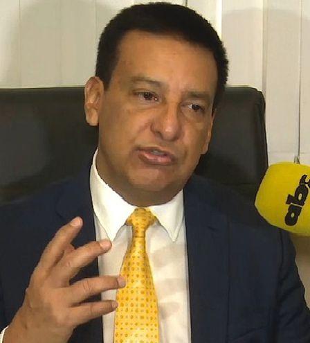 Ramón Romero Roa, diputado  por Alto Paraná (ANR, Añetete), se postula en procura de ser intendente de Minga Guazú.