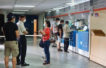 Un ciudadano oriental que quería viajar desde el aeropuerto Guaraní hasta Asunción generó pánico a causa del temor generalizado por el coronavirus.