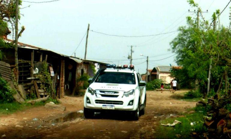 Agentes de la Policía efectúan control aleatorio en la zona donde se registró el último ataque de los pistoleros que operan para la facción criminal.