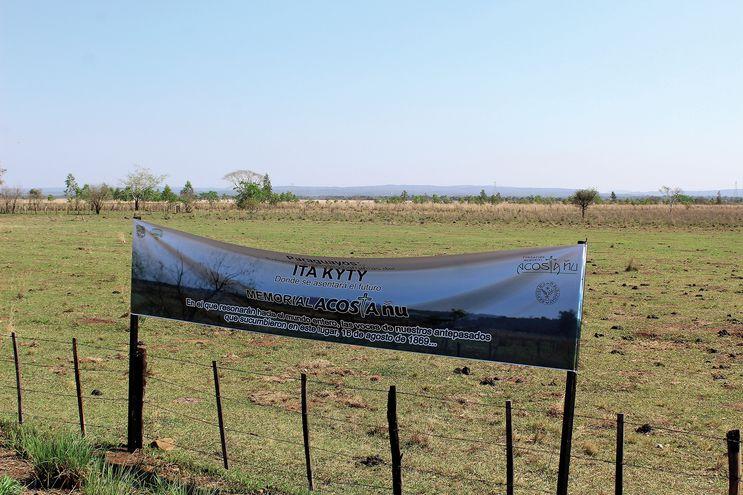 El sitio de la batalla de Acosta Ñu también recibió varios otros nombres: Barrero Grande, por Resquín; Ñu Guasu, Rubio Ñu o Díaz Cue, por Centurión; Campo Grande o Rubio Ñu, por O'Leary. Los brasileños lo llamaron Campo Grande.