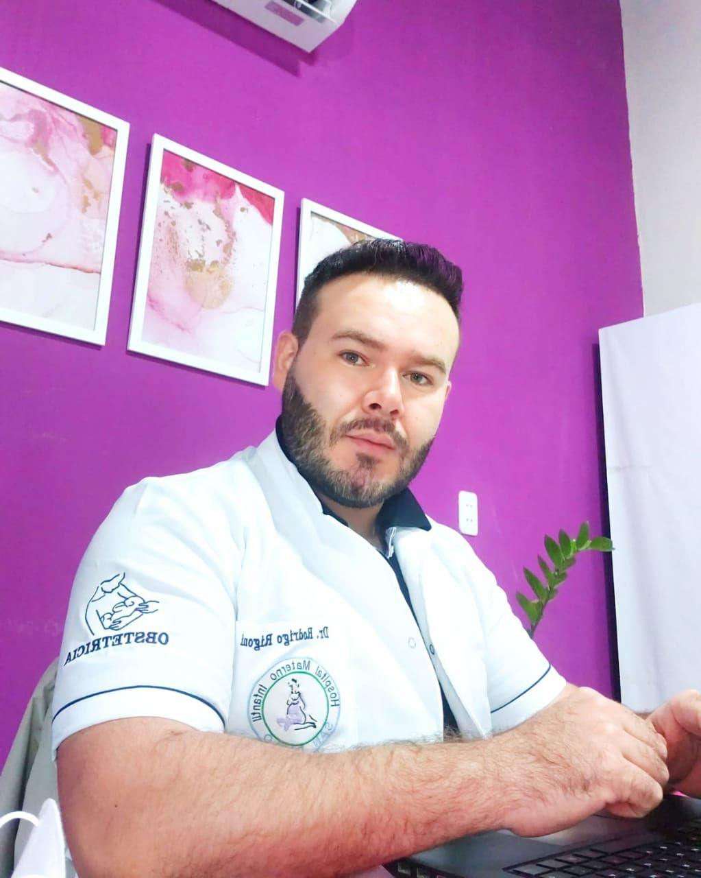 Doctor Rodrigo Rigoni, ginecólogo.