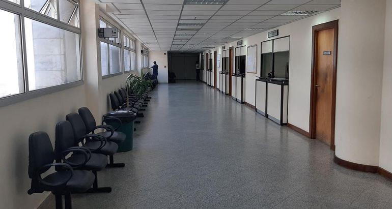 Así lucen los pasillos del Palacio de Justicia de Asunción durante la emergencia sanitaria.