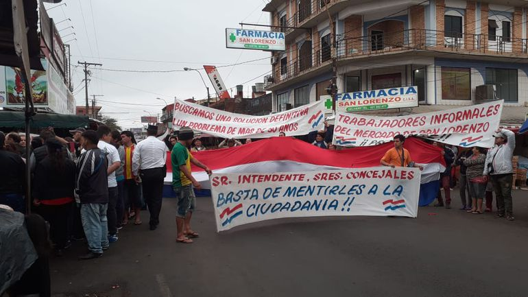 Los manifestantes cierran la ruta Julia  Miranda Cueto.