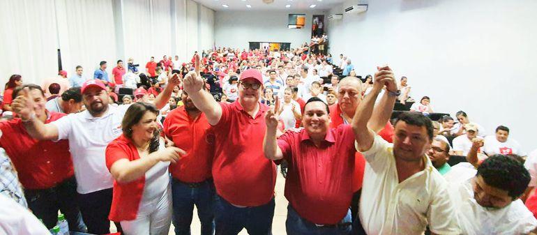 Los precandidatos colorados a la intendendencia de Ciudad del Este firmaron acuerdo para someterse a una encuesta.
