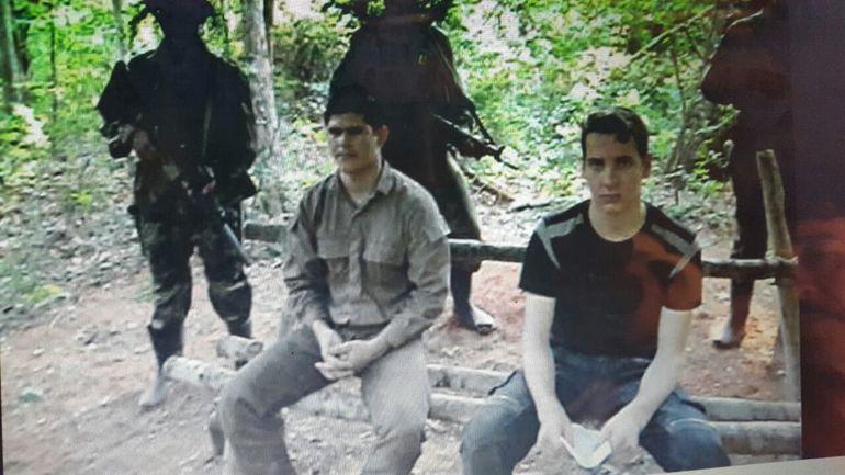 Única prueba de vida de Edelio Morínigo, en octubre de 2014, junto a Arlan Fick (liberado dos meses después).