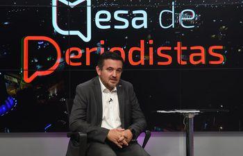Ministro de Educación, Eduardo Petta, en estudios de ABC TV.