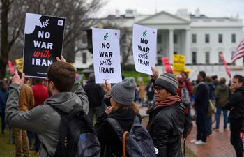 Protesta activista contra la guerra frente a la Casa Blanca en Washington