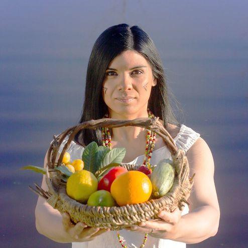 """La cantante argentina Vanina Rivarola en una de las imágenes promocionales de su sencillo """"India"""", que anticipa su próximo disco."""