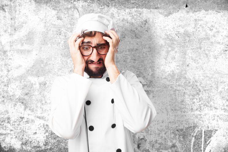 9 son los malos hábitos más comunes en la cocina.