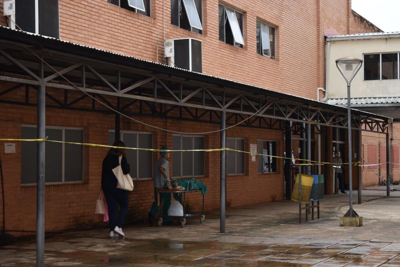 El MOPC construirá pabellones modulares para ampliar al área de atención a los pacientes covid en Clínicas.