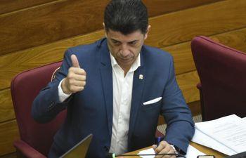 Senador Víctor Ríos.
