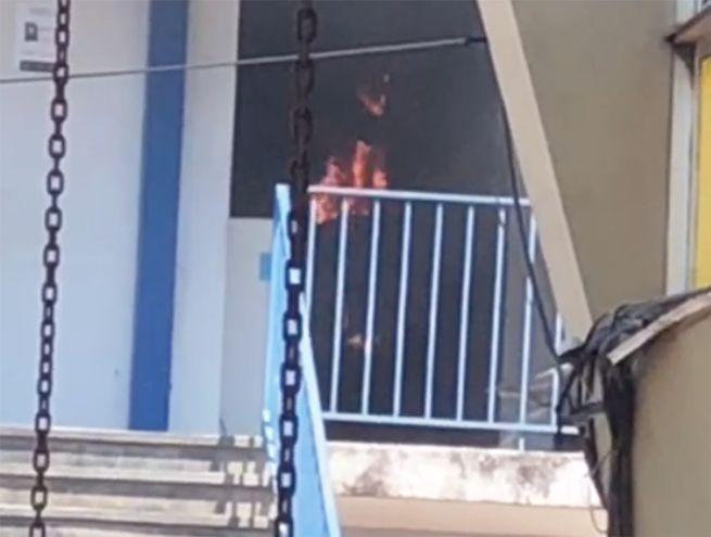 Incendio en una de las aulas de la Facultad de Filosofía de la UNA.