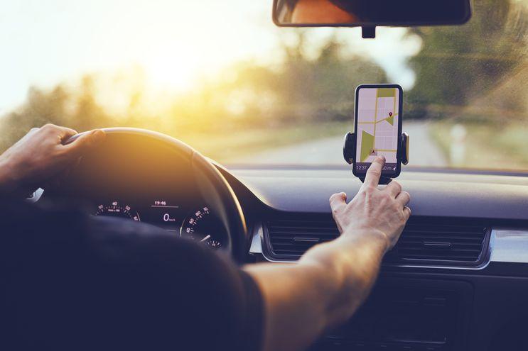 Según la denuncia, los choferes que trabajan con la plataforma de manera ilegal desactivan el GPS o colocan el teléfono en modo avión durante el trayecto.