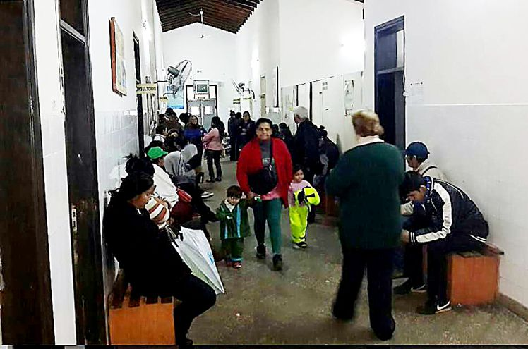 Varios hospitales del Ministerio de Salud habilitaron consultorios hasta las 21:00, para descomprimir las urgencias.